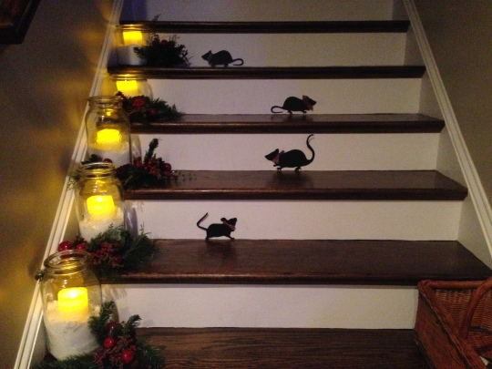 Giving my Halloween mice little plaid bows for Christmas.
