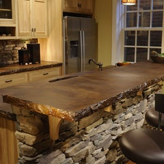 Picture courtesy of Houzz.com done by http://www.weavercustomhomes.com/