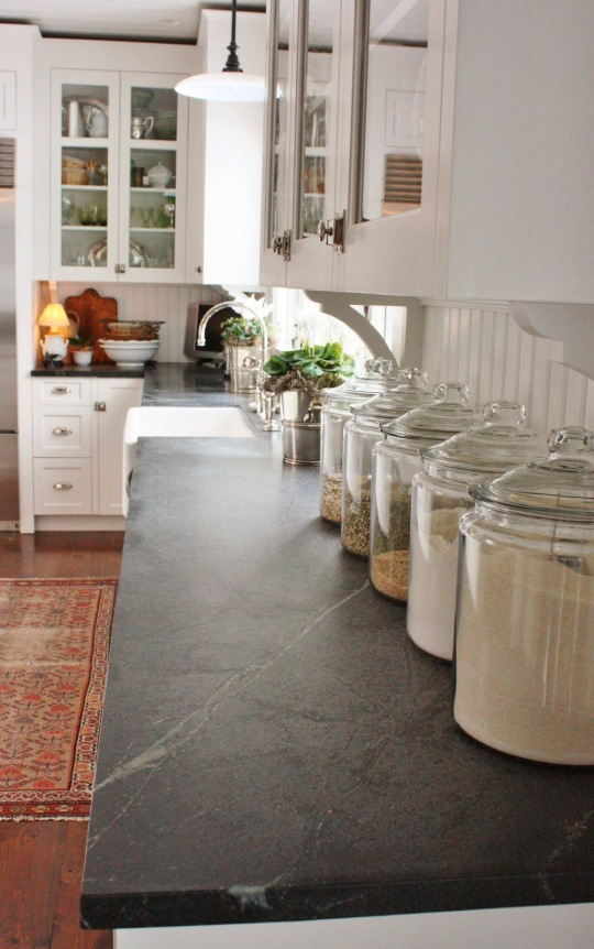 Soapstone photo courtesy of http://fortheloveofahouse.blogspot.com